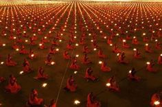 100.000 Monks In Meditation For World Peace!