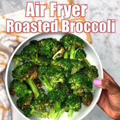 Easy Air Fryer Roasted Broccoli Is A Quick Vegetarian Vegan * easy air fryer gebratener brokkoli ist ein schneller vegetarischer veganer Easy Air Fryer Roasted Broccoli Is A Quick Vegetarian Vegan * Thanksgiving recipes - Cooking recipes - Summer recipes Air Fryer Recipes Videos, Air Fryer Recipes Vegan, Air Fryer Recipes Vegetables, Air Frier Recipes, Air Fryer Dinner Recipes, Air Fryer Healthy, Veggie Recipes, Healthy Recipes, Frozen Broccoli Recipes