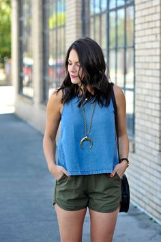 Styling shorts for spring - how to wear shorts with booties - My Style Vita @mystylevita