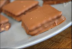 HOMEMADE TIM TAMS OH MY FREAKING WORD THESE ARE MY FAVORITE COOKIES EVER. Seriously-I've craved them since I left Australia in 2008. Need to try these ASAP.