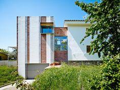 Anna & Eugeni Bach: Casa Anoro, Sant Esteve de Palautordera, Barcelona #summerhouse