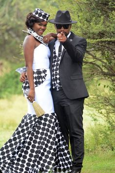 A Modern Traditional Wedding # South african wedding magazine inspiring brides to be with the latest wedding inspiration, tips and advice. African Traditional Wedding Dress, African Fashion Traditional, Modern Traditional, African Fashion Designers, African Men Fashion, African Fashion Dresses, Fashion Men, Fashion Styles, African Wedding Attire