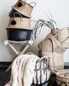 Muy Mucho: this is the brand of cheap decor coming from Spain that lands in France! We recommend for their trendy and cozy deco universe Source by homelisty Top 14, Ikea Deco, Makeup Studio Decor, Cheap Home Decor Stores, Boutique Deco, Shop Till You Drop, Bathroom Trends, Textiles, Home Decor Inspiration