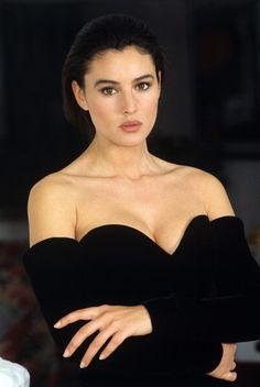 Monica Bellucci 1985