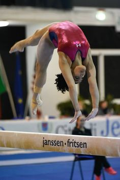 Laurie Hernandez on beam Gymnastics Facts, Gymnastics Images, Gymnastics Tricks, Sport Gymnastics, Artistic Gymnastics, Olympic Gymnastics, Laurie Hernandez, American Athletes, Female Gymnast