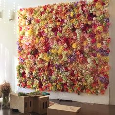 We love to create #alternativewedding backdrops like this one by Sue Bryce Photography. 400 flowers flowers and a labour of love!