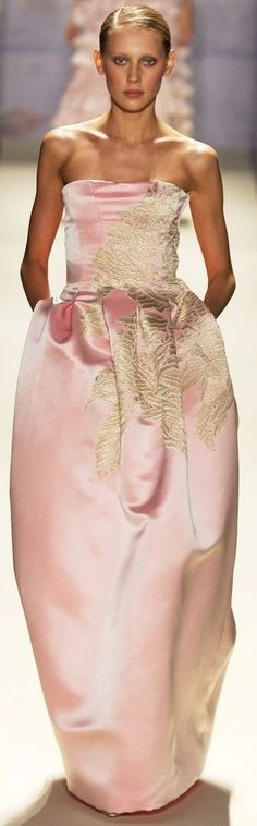 Fashion Moda, Gold Fashion, Runway Fashion, Armani Prive, Elie Saab, Soft Pink Dress, Mode Rose, Alexander Mcqueen, Pink And Gold Wedding