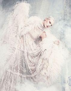 cool Vogue Japão Setembro 2014 | Julia Nobis by Luigi & Iango  [Editorial] -- Because Alexander McQueen
