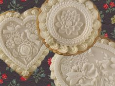 Queen City Cookies' stunning shortbread cookies are the perfect Valentine's Day confection. Each crisp, buttery cookie is a true work of art. Iced Shortbread Cookies, Iced Cookies, Cupcake Cookies, Sugar Cookies, Cupcakes, My Favorite Food, Favorite Recipes, Love Cake, Edible Art