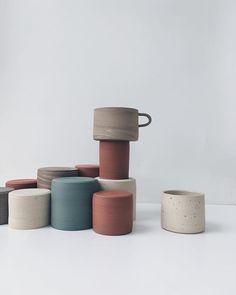 2,618 vind-ik-leuks, 13 reacties - Design Milk Everyday (@designmilkeveryday) op Instagram: 'In case you need more #ceramics in your life, @ar.ceramics has bowls, #mugs and plates in…'