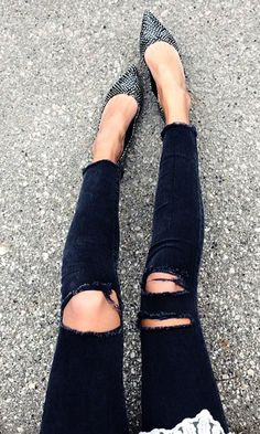 Black & white pointed toe flats