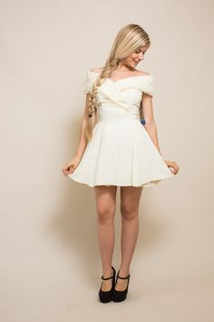 Short wedding dress Vintage 80s 90s ivory off the by Raxclothing