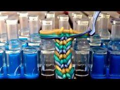 How to make the mermaid tail bracelet! ORIGINAL Design on the rainbow loom Rainbow Loom Tutorials, Rainbow Loom Patterns, Rainbow Loom Creations, Rainbow Loom Bands, Rainbow Loom Charms, Rainbow Loom Bracelets, Loom Band Bracelets, Rubber Band Bracelet, Beaded Bracelets