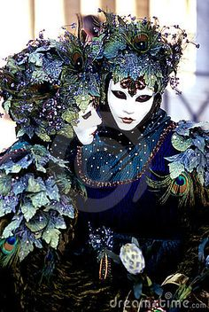 Love the ivy on these two.the best way to celebrate Mardi Gras Venetian Style. Venice Carnival Costumes, Mardi Gras Carnival, Venetian Carnival Masks, Carnival Of Venice, Venetian Masquerade, Masquerade Ball, Venetian Costumes, Venice Carnivale, Venice Mask