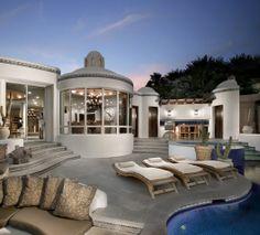 Back pool deck