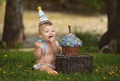 Peterson Family Celebrates Harlan's 1st Birthday! | Southern Oregon Professional child photographer | Professional Portrait Photography in S...