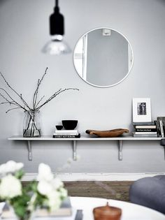 Fresh home in grey - via Coco Lapine Design Heminredning 392a20c9a6b2d