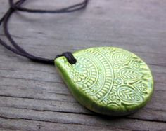 Spring Green Mandala Essential Oil Diffuser Necklace, Teardrop Shaped Ceramic Aromatherapy Pendant, Wholesale Diffuser Clay Jewelry