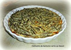 Clafoutis de haricots verts au bacon * 3  Œufs     ** 3 Petits suisses 0%   ( ou 180g de fromage blanc 0% ) 1 CS de Farine   ( soit 20g) 250 ml de Lait écrémé    150 g de Bacon      **1 kg  de Haricots verts cuits 60 g de  Bleu d'Auvergne   (facultatif)