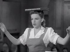 "mis actrices preferidas — Judy Garland ""Las chicas de Ziegfeld"" (Ziegfeld... Judy Garland, Montgomery Clift, Jeanne Moreau, Anita Ekberg, Olivia De Havilland, Kirk Douglas, Blue Hawaii, Marlene Dietrich, Catherine Deneuve"