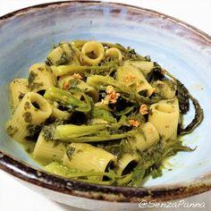 Mezze maniche con broccolo fiolaro    http://www.senzapanna.it/2017/12/mezze-maniche-con-broccolo-fiolaro-come.html