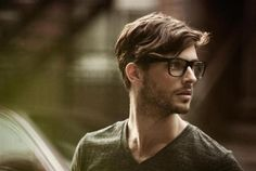 hair, stubble, v-neck Look Fashion, Mens Fashion, Fashion Outfits, Fashion Tips, Mens Glasses, Guys With Glasses, Big Glasses, Hipster Glasses, Hipster Man
