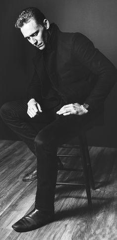 Tom Hiddleston photographed by Jeff Vespa during the 2015 Toronto Film Festival on September 14, 2015. Full size image [UHQ]: http://ww1.sinaimg.cn/large/80336770gw1ewp5obf40wj21kw2d9nmj.jpg Source: Torrilla, Weibo