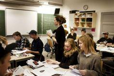 Gør plads til de kloge elever! Kulturen i skolen er ikke gearet til de begavede elever, og helhedsskolen vil ikke gøre det nemmere. Det vil ...
