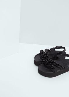 Sandália plataforma correntes | MANGO