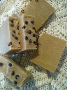 Give Mom the Royal treatment with this - Rose Scented Organic Milk Luxury Artisan Soap  http://www.theamericanmom.com/store-product-item.cfm?id=2103
