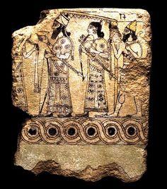 Glazed terracotta tile, Neo-Assyrian, from Nimrud (ancient Kalhu), 883- 859 BC. Mesopotamia, iraq قطعة بلاط مزجج من نمرود (كالحو قديما) ، الدولة الاشورية الحديثة، 883-859 قبل الميلاد ، بلاد ما بين النهرين ، العراق