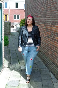 Traded in my cute dresses for Denim & Leather  #plussizeblogger  #curvygirl #theBiggerBlog