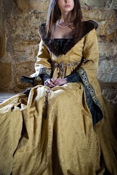 Renaissance Garb, Medieval Gown, Medieval Costume, Medieval Fantasy, Medieval Fashion, Medieval Clothing, Medieval Outfits, Gypsy Clothing, Historical Costume