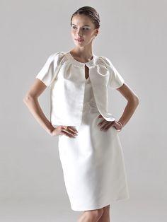 LAINEY - kjole til bryllupsfest eller brudepige i satin Med sjal - DKK kr679.00