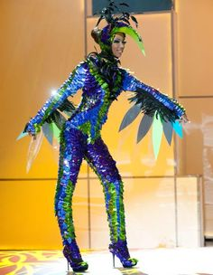 awesome bird costume and wing placement - Universe Halloween Costume