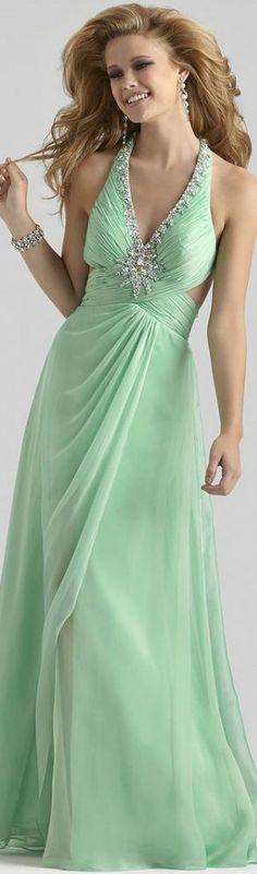 green prom dress//  white heels & bag //  diamond necklace