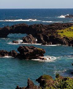 Travel Inspiration   Black Sand Beach, Waianapanapa, Maui.