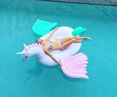 Pool Vibes :: Flamingo Float :: Summer Vibes :: Friends :: Adventure :: Sun :: Poolside Fun :: Blue Water :: Paradise :: Bikinis :: See more Summertime Inspiration Summer Goals, Summer Of Love, Summer Fun, Summer Beach, Unicorns And Mermaids, My Pool, Unicorn Party, Summer Vibes, Summertime