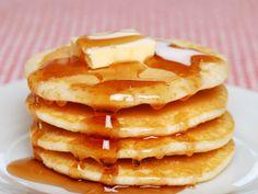 Pancakes moelleux au thermomix. Voici une recette de Pancakes moelleux, facile a réaliser avec votre thermomix chez vous.
