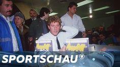 """In """"Anpfiff"""" beleidigte Toni Schumacher seine Mitspieler, berichtete von Doping im Fußball und anderen Skandalen. Vor 30 Jahren erschien das Buch, das das Ende seiner Weltkarriere bedeutete.  Das komplette Video: ►http://www.sportschau.de/fussball/allgemein/video-wie-ein-buch-die-karriere-von-toni-schumacher-beendete-100.html"""