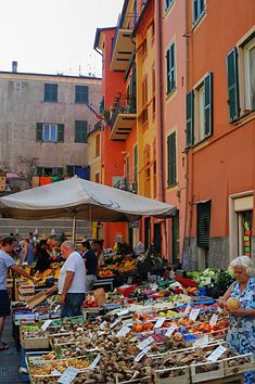 Market in Rapallo, Italy  Saw a lovely Shop that sold only pastas