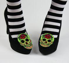 Sugar Skull Shoe Clips Day of the Dead by JanineBasil on Etsy, Skull Shoes, Skull Wedding, Sugar Skull Art, Mexican Skulls, Shoe Clips, Slippers, Shoe Bag, Sandals, Bags