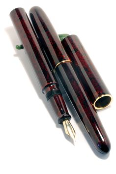 Fountain Pen Drawing, Fountain Pen Ink, Pens For Sale, Luxury Pens, Vintage Pens, Fine Pens, Pen Collection, Pen Turning, Stationery Pens