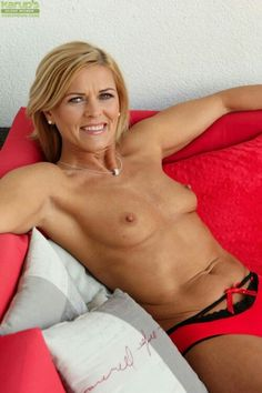 Mature pussy best quality