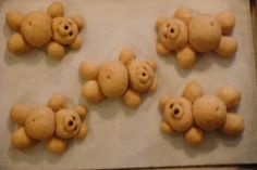A bread shaping tutorial–bread bears- for Celia and all my bread friends! Pain Surprise, Bread Recipes, Cooking Recipes, Bread Winners, Bread Shaping, Bread Art, Shapes For Kids, Braided Bread, Tea Biscuits