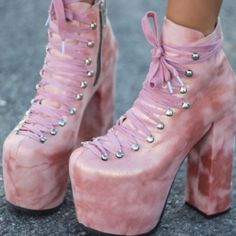 I'm looking for these!! Size 7 or 8 Size 7- 8 UNIF Shoes Ankle Boots & Booties