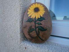 """Painted rock """"SUNFLOWER & HORSESHOE"""""""