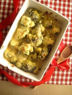 Μπρόκολο σε κρούστα γιαουρτιού και παρμεζάνας - The one with all the tastes