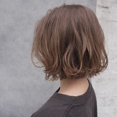 Pin on ボブ ヘアー (Bobbed hair) Short Hair With Bangs, Short Curly Hair, Hairstyles With Bangs, Short Hair Cuts, Curly Hair Styles, Haircuts, Aesthetic Hair, Hair Color Pink, Hair Looks