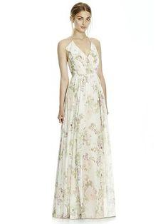 Floral printed bridesmaid dress for a Spring wedding #bridesmaid #springwedding #DessyGroup